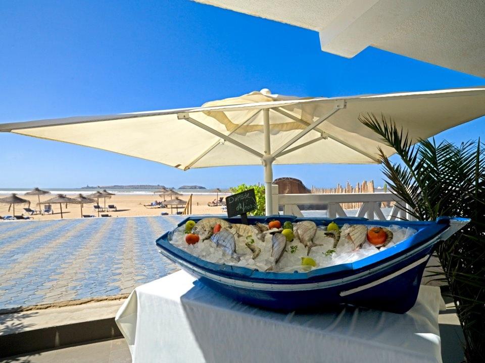 le seven essaouira le restaurant bar lounge de plage de l 39 h tel atlas. Black Bedroom Furniture Sets. Home Design Ideas