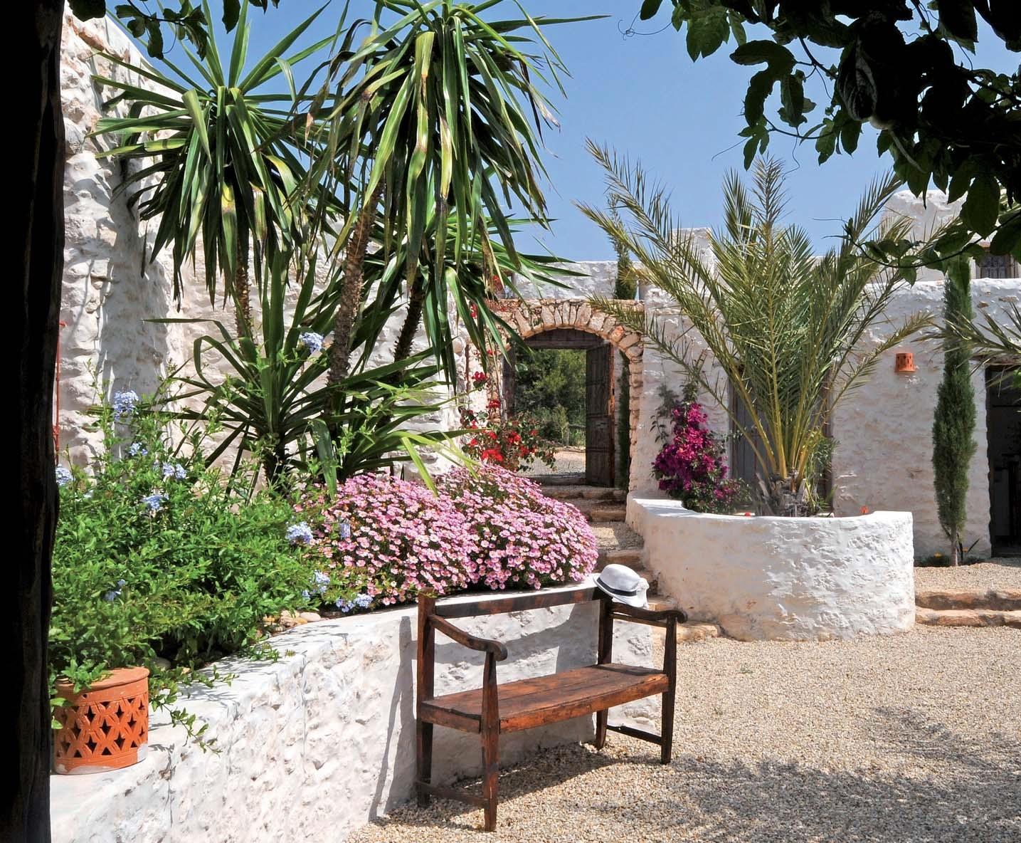 maison marocaine avec patio 28 images patio au calme. Black Bedroom Furniture Sets. Home Design Ideas