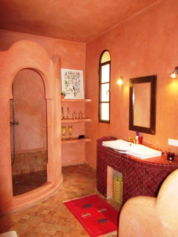 style de salle de bain marocaine id e inspirante pour la conception de la maison. Black Bedroom Furniture Sets. Home Design Ideas