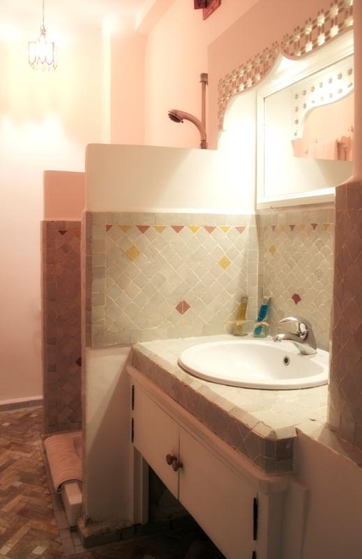 Riad dar liouba maison d 39 h tes de charme essaouira for Salle de bain maroc